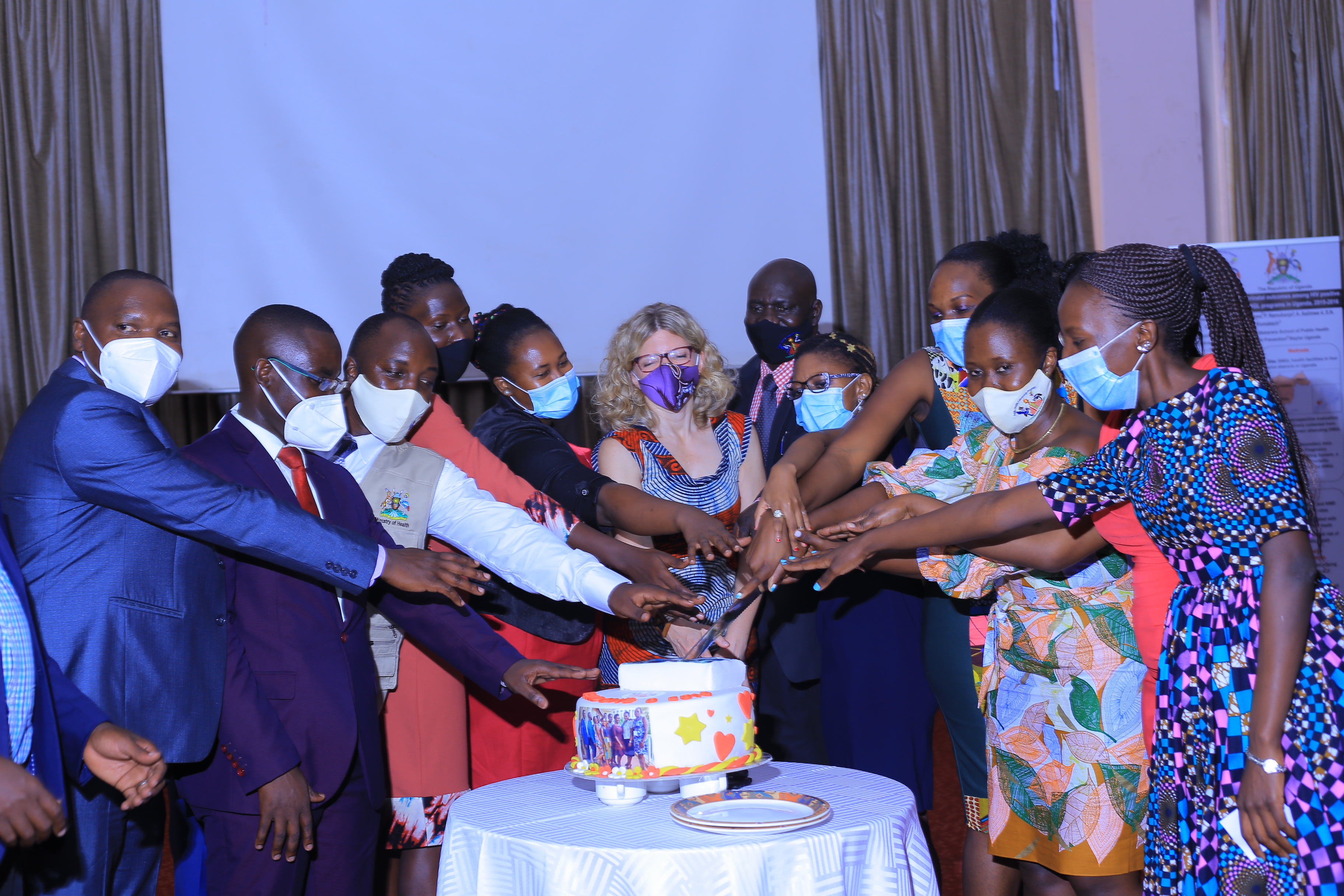 Championing Training for Field Epidemiologists in Uganda: 12 Graduate from PHFP